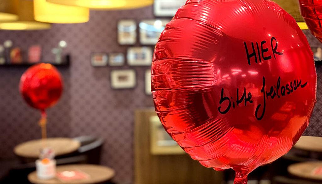 CB_Ballons_9022_Cafe_ScMd